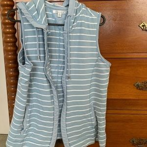 Victoria Hill hooded sleeveless vest size 14